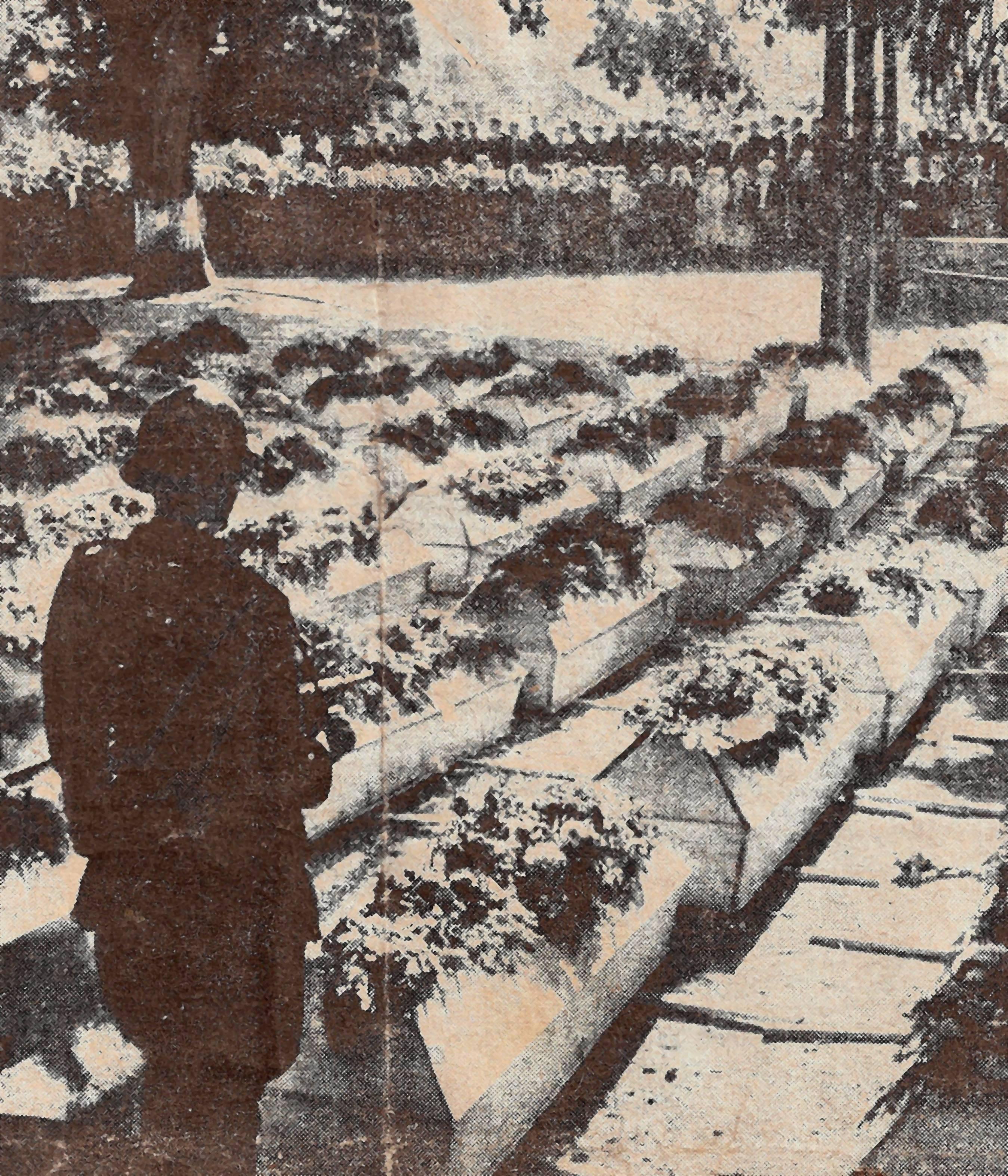Umbettung der 210 Toten im Oktober 1945